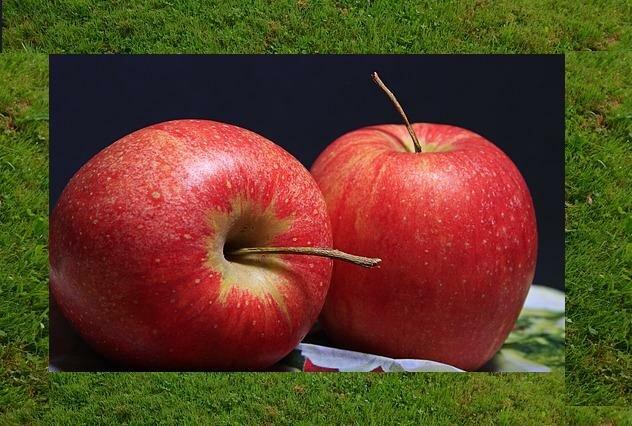 красные яблоки при лактации