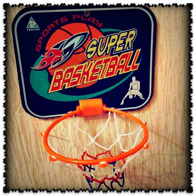 баскетбол отличная игрушка для ребенка2лет